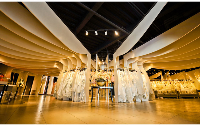 八月照相馆——国际婚纱造型馆