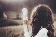 最新影楼资讯新闻-跟美女摄影师学拍灵魂深处的情绪人像