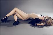 最新影楼资讯新闻-90后美女摄影师的性感时尚人像摄影