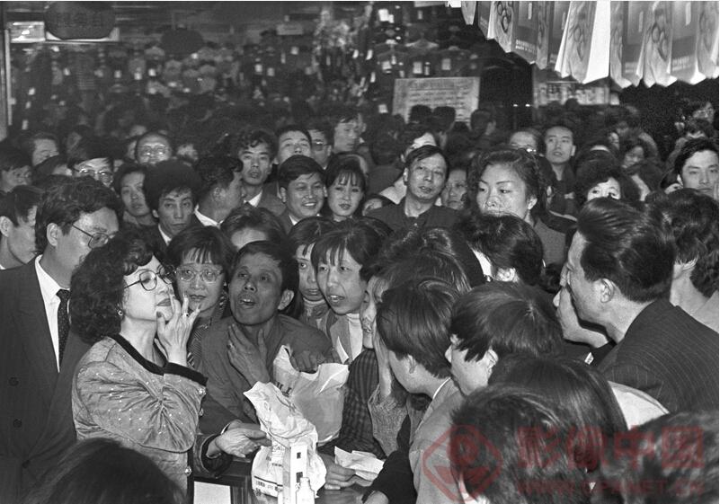 最新影楼资讯新闻-庆祝新中国成立65周年 摄影名家收藏展在京举行