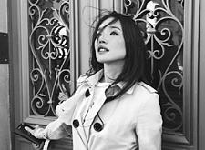 最新影楼资讯新闻-黄渤变身摄影师晒黑白作品 舒淇Baby超美入镜