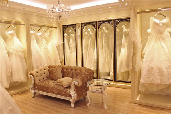 武汉哪里有婚纱卖 武汉高端婚纱店扎堆 标价上百万也大卖