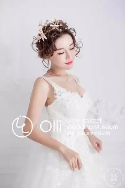 清新淡雅的白色系新娘造型欣赏