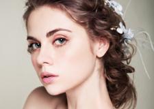 最新影楼乐虎娱乐平台新闻-干净透亮的新娘妆容