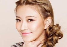 最新影楼乐虎娱乐平台新闻-日式新娘发型步骤 简单盘发秀出可爱风
