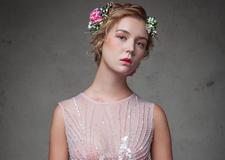 最新影楼资讯新闻-减龄新娘造型 森系花之美