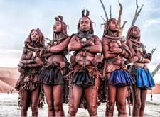 最新影楼资讯新闻-日本知名女摄影师全裸拍摄非洲部落:我渴望拥有黑皮肤