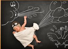最新影楼资讯新闻-国外创意婴儿摄影 黑板大冒险