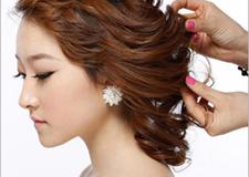 最新影楼资讯新闻-最潮韩式手抓发新娘发型 学习化妆盘发新技能