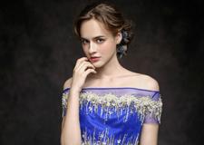 最新影楼资讯新闻-**典雅的婚纱礼服 端庄中带着的性感味道