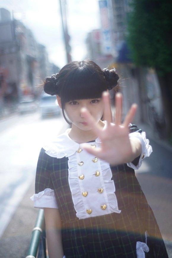 """死尸照片 日本摄影师将拍摄20岁少女""""尸体状态""""照片集"""