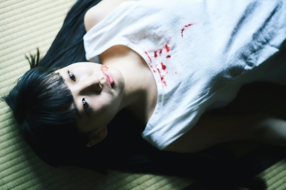 """日本摄影师集资成功 将拍摄20岁少女""""尸体状态""""照片集"""