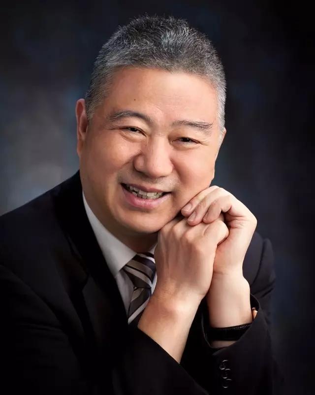 中國金夫人集團總裁周生俊