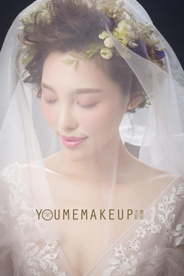 轻复古文艺新娘造型 柔美了小时光