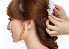 最新影楼资讯新闻-齐刘海新娘发型扎法步骤 打造青春甜美新形象