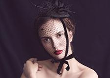 最新影楼资讯新闻-**而冷艳的新娘造型 演绎黑色禁忌之美