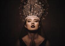 最新影楼资讯新闻-波兰暗黑女王镜头下的气质哥特人像