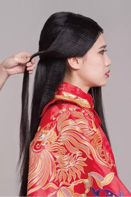 非常火的复古典雅中式新娘造型盘发详解