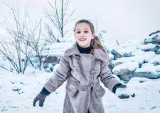 最新影楼资讯新闻-冬季雪景人像拍摄技巧 找到方法和技巧让雪景照片不再平庸