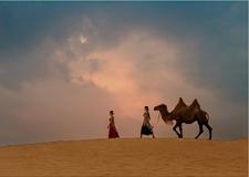 最新影楼资讯新闻-写意风格外景人像摄影欣赏 假如有一片沙漠