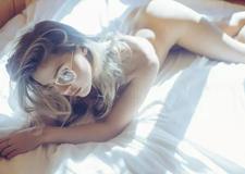 最新影楼资讯新闻-慵懒的缪斯女神 Ben Tusi拍摄的暧昧范儿性感人像