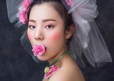 最新影楼资讯新闻-精致的玫瑰新娘妆容 打造非同一般的女神气质