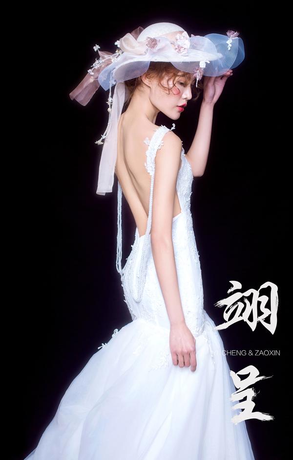 唯美典雅新娘头饰造型 打造淡淡复古气息