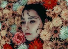 最新影楼资讯新闻-少女的秘密 彩色情绪人像摄影作品欣赏