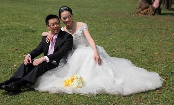 摄友带反光板进公园被拒 北京多家公园禁拍婚纱照