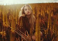 最新影楼资讯新闻-意大利摄影师Alessio Albi自然光线下的女性肖像