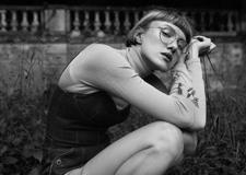 最新影楼资讯新闻-法国摄影师Marta Bevacqua拍摄的文艺范人像写真