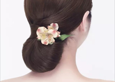 简单美观的新娘包发教程 打造清雅迷人婚礼发型
