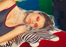 最新影楼资讯新闻-彩色游泳池系列 摄影师Maria Svarbova人像摄影欣赏