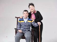 最新影楼资讯新闻-拉斐影像婚纱摄影免费为残疾家庭拍摄全家福