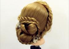 韩式新娘盘发造型步骤(二)
