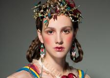 最新影楼资讯新闻-***奢华的轻复古新娘造型 优雅气质**诠释