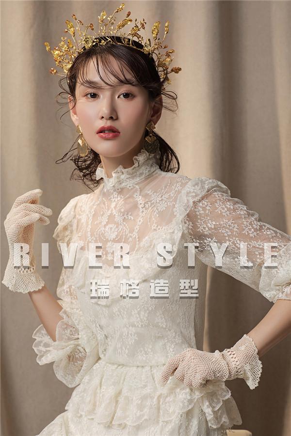 含蓄而闪耀 *新洛可可时尚新娘造型