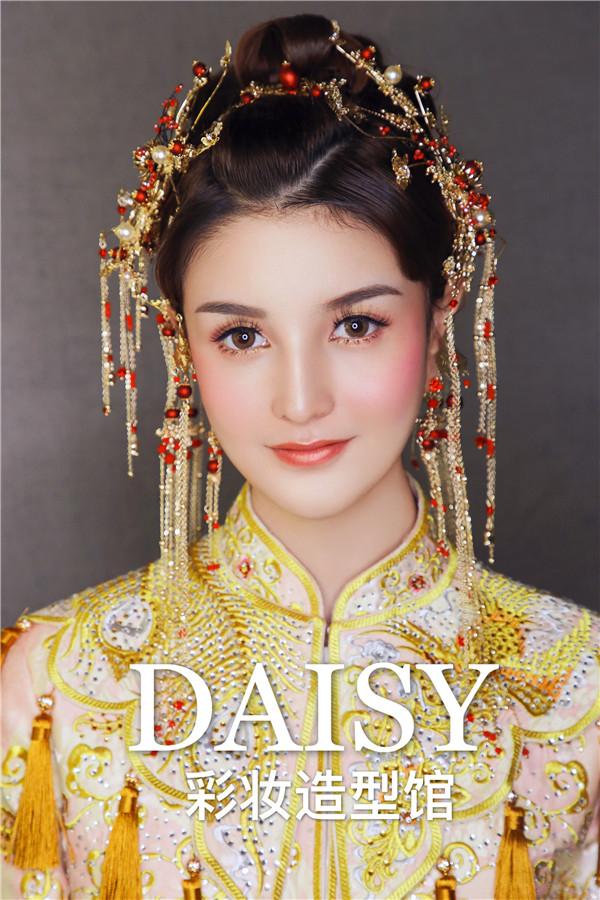 中式秀禾新娘造型演绎不一样的古典风
