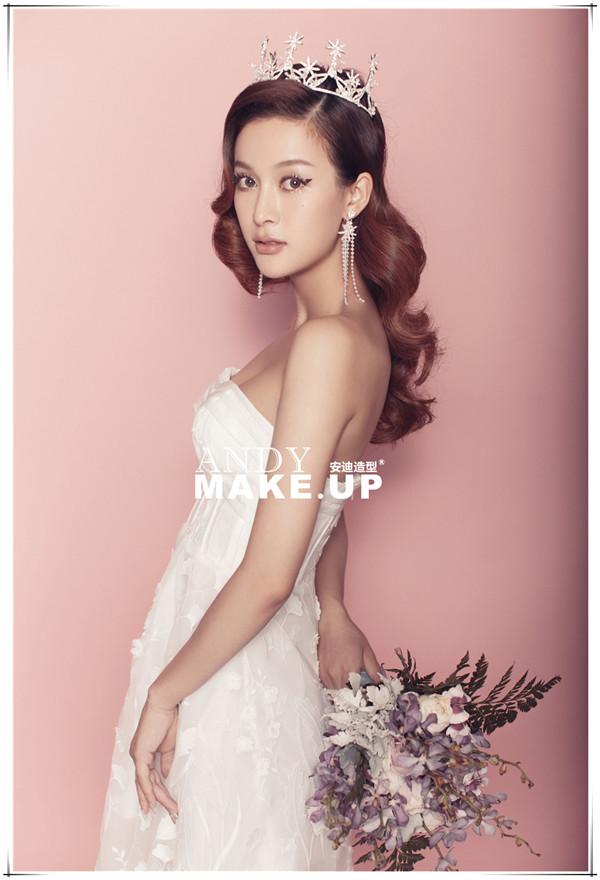 时尚俏皮的新娘妆容赏析
