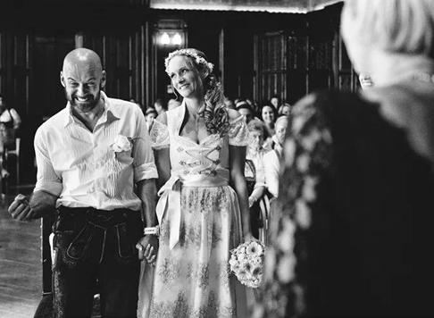 最新影楼资讯新闻-婚礼实拍:让人深深感动的婚礼都在细节中
