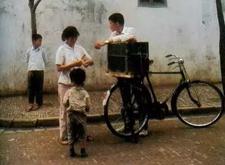 最新影楼资讯新闻-日本摄影师36年前偷拍的中国孩子