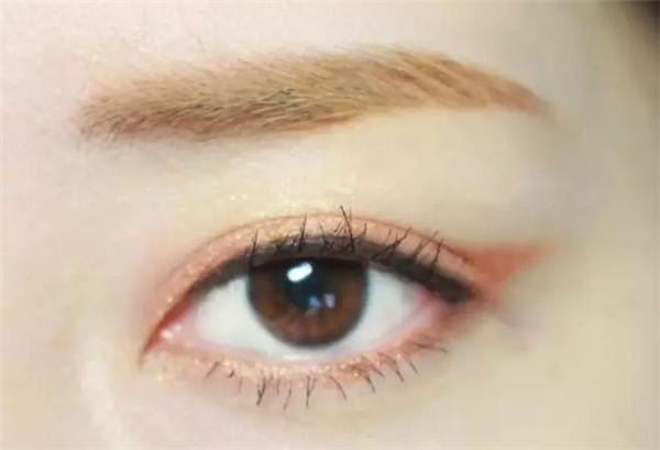 玫瑰眼妆,带来初秋好气色