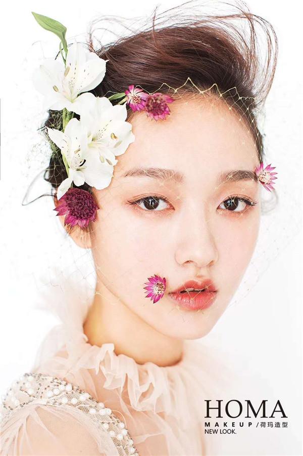 纯美鲜花新娘妆发造型
