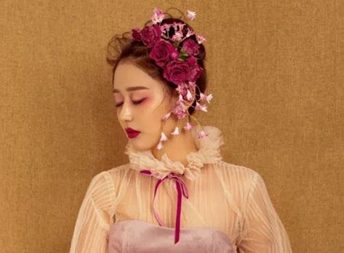 最新影楼资讯新闻-玫瑰色调鲜花妆容欣赏
