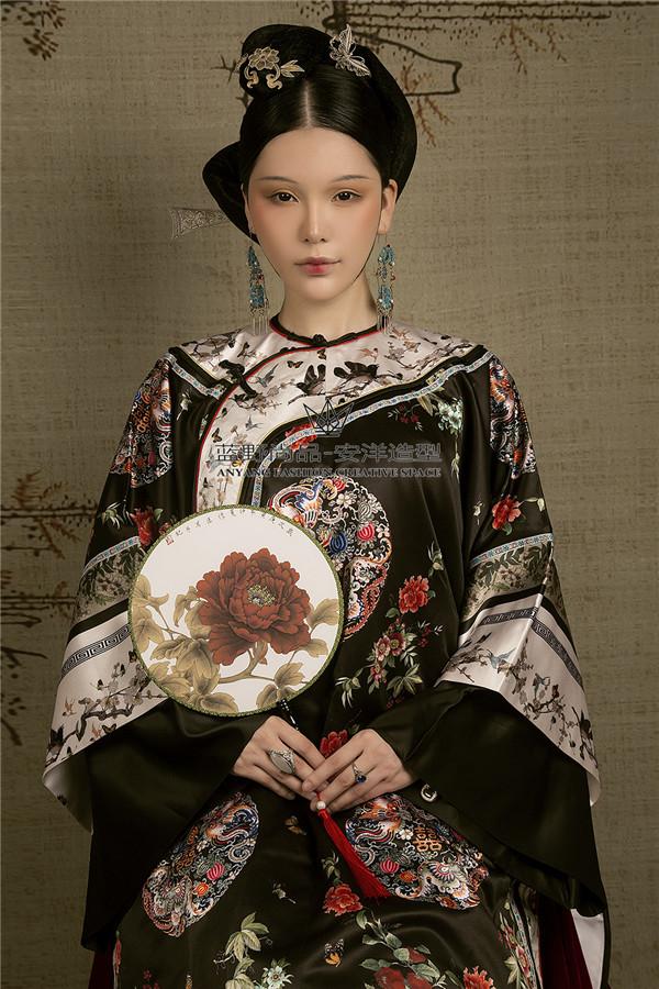 中式古装造型,衬托东方新娘的独特气质