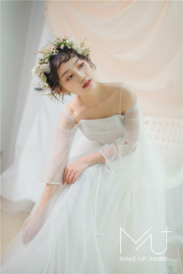 微风清新感鲜花新娘造型