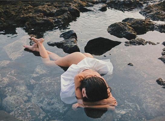 最新影楼资讯新闻-Maty Chevriere:文艺性感的夏日海滩