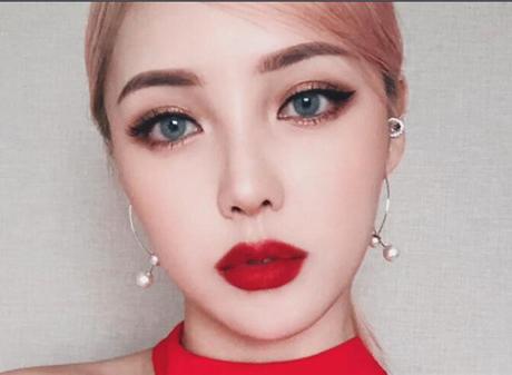 最新影楼资讯新闻-pony:***质感红唇妆容化妆教程