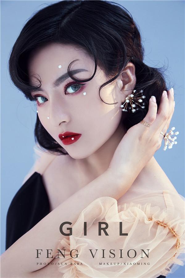 珍珠贴面妆:复古意味渐浓