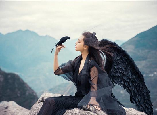 最新影楼资讯新闻-神话外景人像作品:黑羽